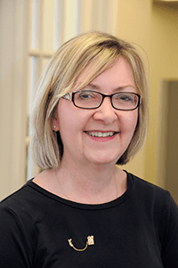 Diana Ruggiero: Receptionist